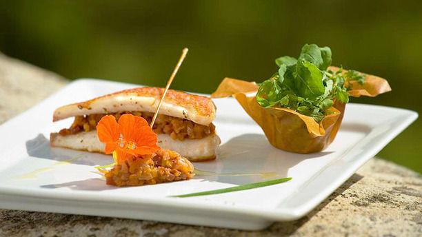 Restaurant La Rotonde Du Manoir A Grignan Avis Menu Et Prix