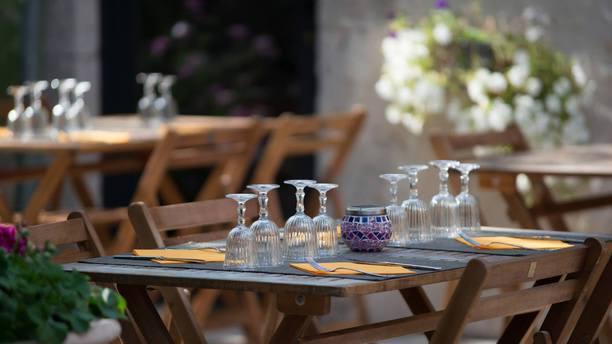 La Table Du Clos Des Sureaux In Seur Restaurant Reviews Menu