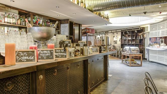 LE Bar du Brunch - Renoma Café Gallery, Paris
