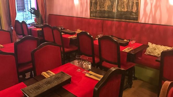 Salle du restaurant - Bombay Inn, Brussels