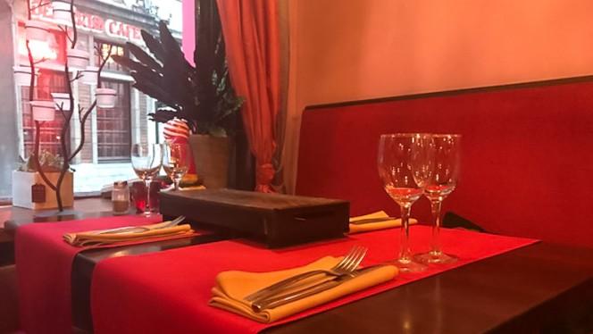 Table dressée - Bombay Inn, Brussels