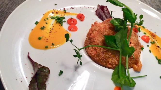 Croquette de homard panée au panko, coulis de mangue légèrement relevé - Bistro n'Home Hors Château, Liège