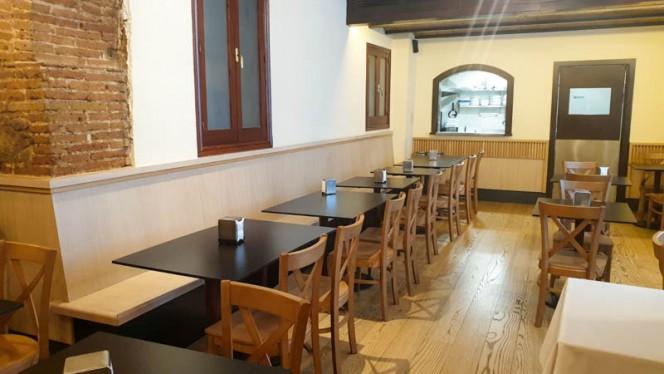 Vista del interior - La Taverna de la Ronda, Barcelona