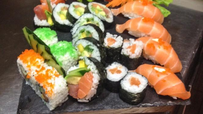 Tábua de sushi - Nui Sushi and Thai Bar, Lisboa