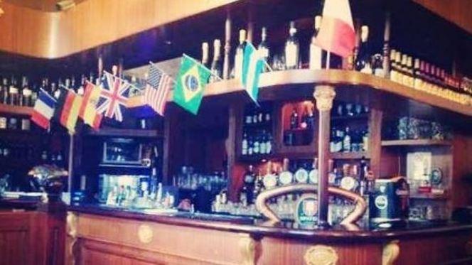 bancone - London Pub, Milan
