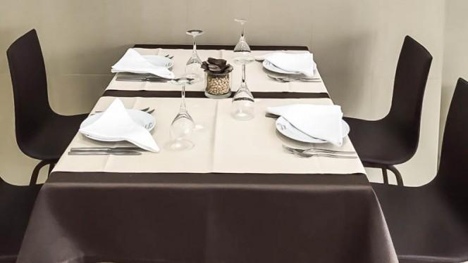 Detalhe da mesa - Douro Sentido, Porto