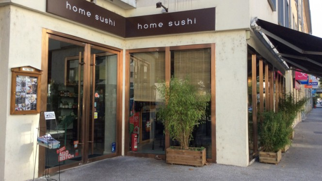 Devanture - Home Sushi, Lyon