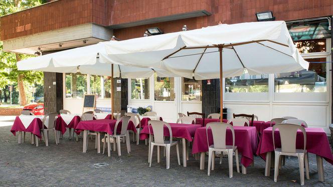 Esterno - Donna Raché, Bologna