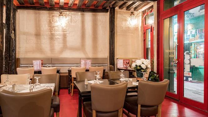 Vue de la salle - Bombay Café, Paris