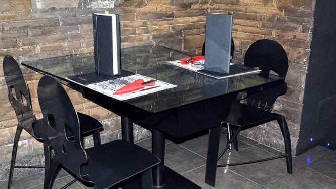 tavolo - La Casa del Demone, Turin