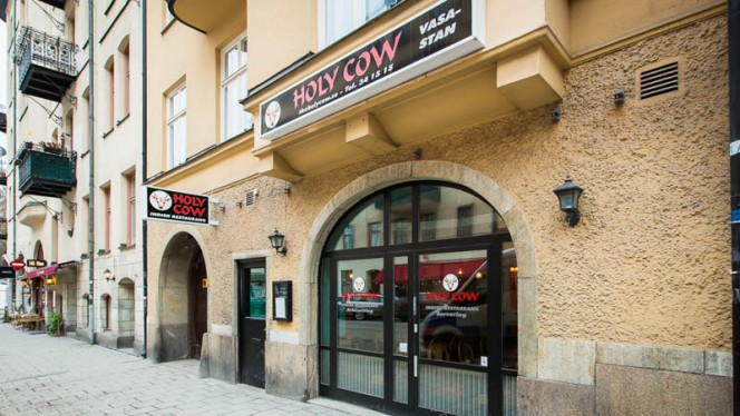 Ingång - Holy Cow Vasastan, Stockholm