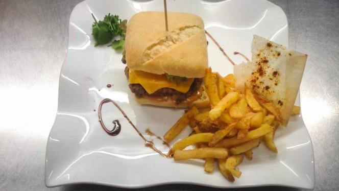 Burger maison - Brasserie Le Commerce, Lyon
