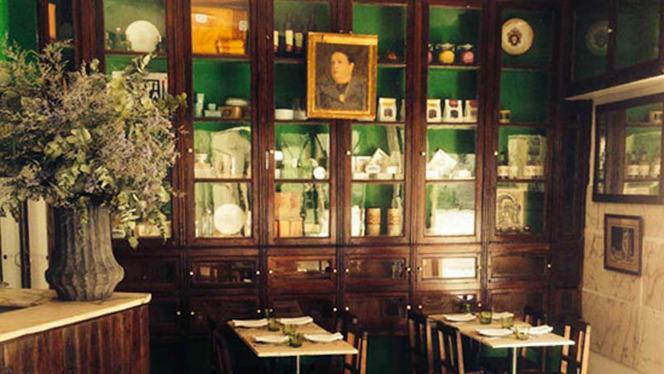 Interior - Dona Quitéria, Lisboa