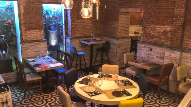 Sala del restaurante - Taima, Madrid
