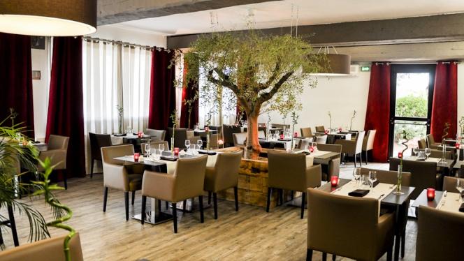 Vue de la salle - Hôtel Restaurant L'Étape, Bouc-Bel-Air