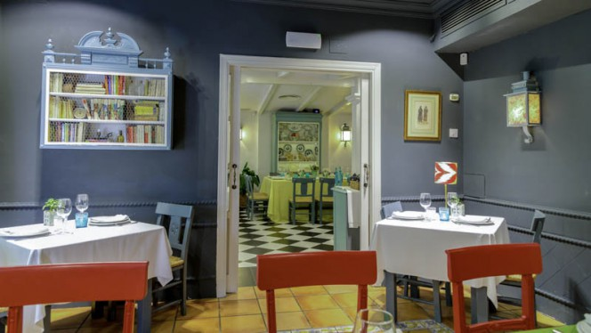 vista de la sala - Bar Manolo León, Sevilla