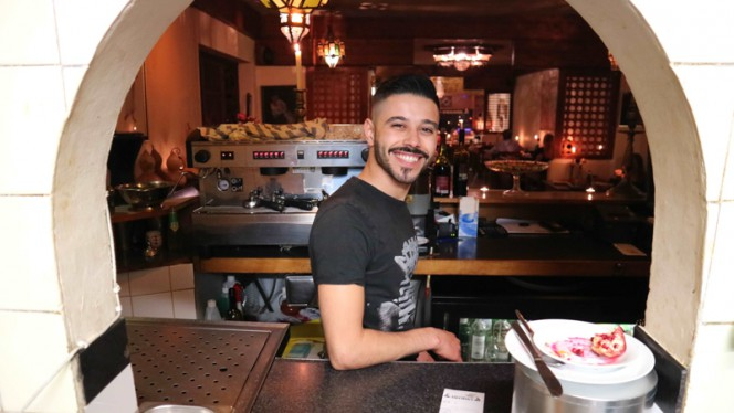 Service with a smile! - Mechoui, Groningen