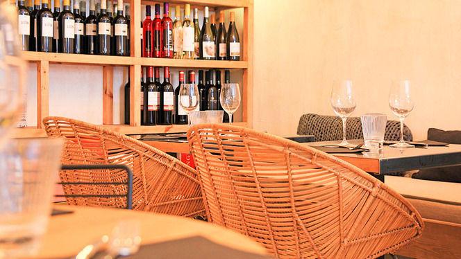 Detalle sala - Muy Mío Café Pl. Cardona, Barcelona