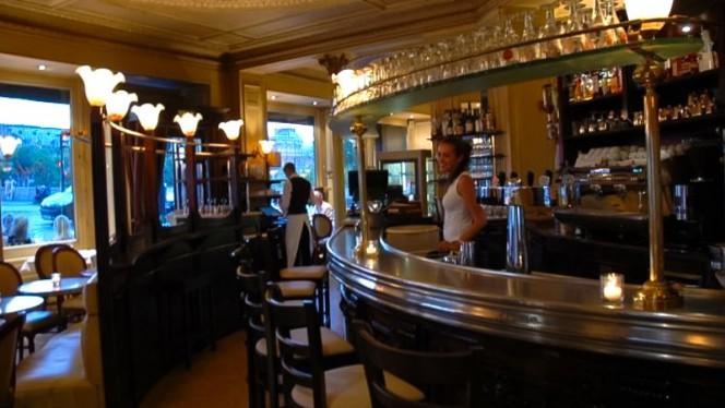 Bar du restaurant La Frégate - La Frégate, Paris