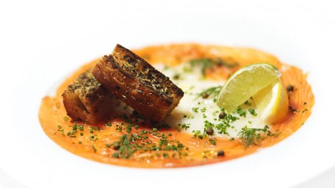 Carpaccio de Saint-Jacques et saumon bio écossais - Scallops and Scottish salmon carpaccio - Le Pichet de Paris, Paris