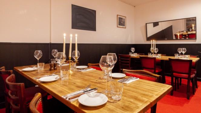Table dressée - M&P Comptoir, Bordeaux