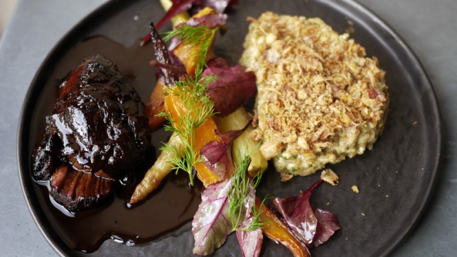 joue de boeuf de Galice, risotto épeautre, carotte confite - La Bulle, Paris