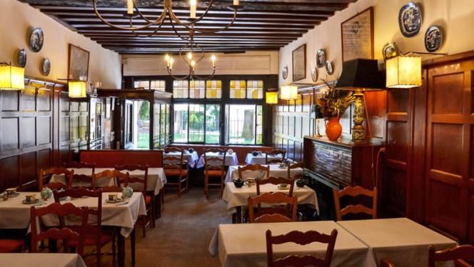 Salle du restaurant - The Tea Caddy, Paris