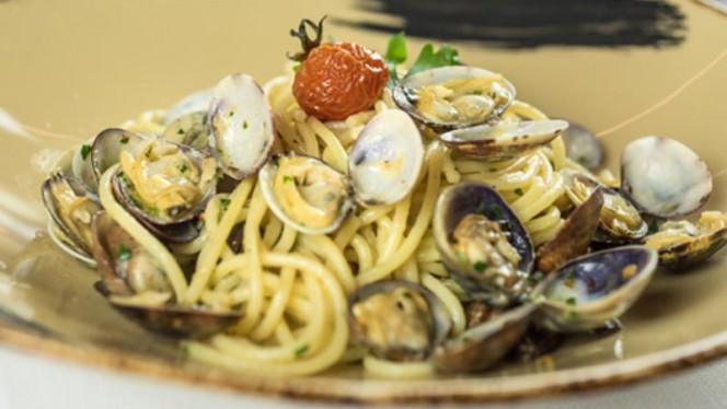Spaghetti alle vongole - Ristorante Vecchia Dogana, Lazise