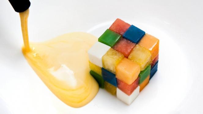 Cubo de Rubik de frutas y romero con soda de mandarina - Samsha by Víctor Rodrigo Alors, Valencia