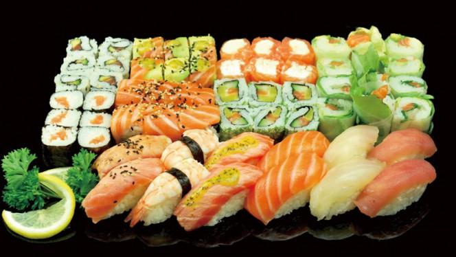 Suggestion - Amoi Sushi, Lille