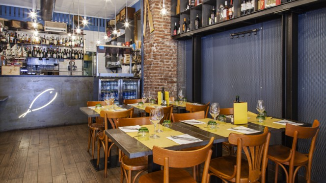 Sala - Enoteca con Cucina di Pesce, Milan