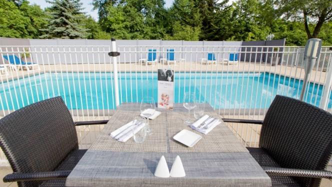 Terrasse et piscine - Les Terres Gourmandes, Ostwald