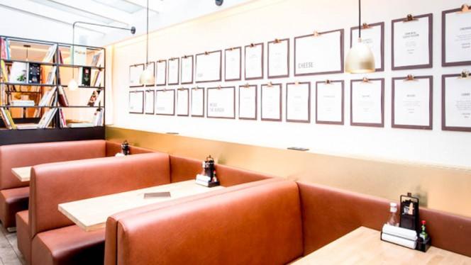 Intérieur - Be Burger PLace du Luxembourg,