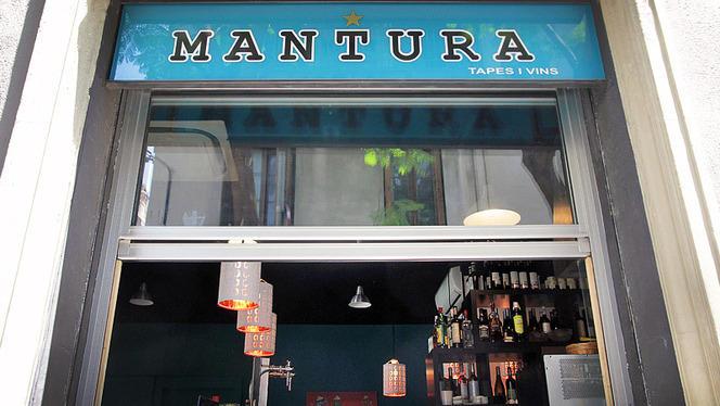 detalle fachada - Mantura Tapes asiatiques i Vins, Barcelona