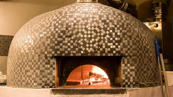 Formo a legna a vista - 450 Food & Drink, Moncalieri