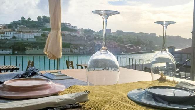Detalhe do terraço - Intrigo, Porto