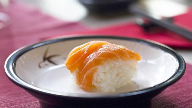 Nigiri di salmone - Sushi Ye, Segrate