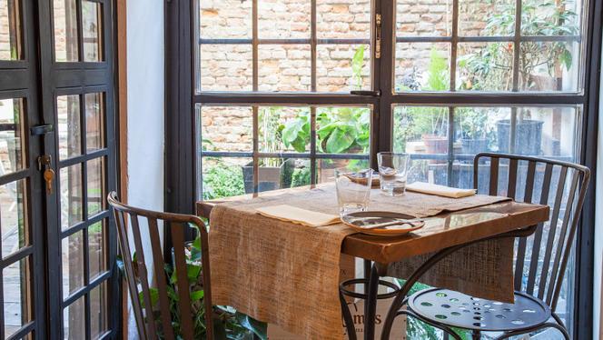 Tavolo con vista sul giardino - Sakapòsh, Turin