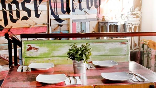Vista mesa - Cantina Canalla - San Martin, Madrid
