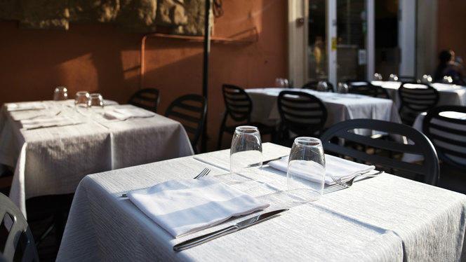 Particolare tavolo - Ristorante Clavature, Bologna