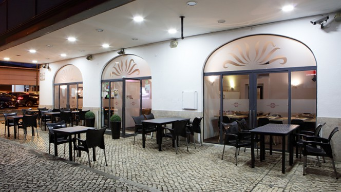 Esplanada - Pizzaria Divinos Prazeres, Lisboa