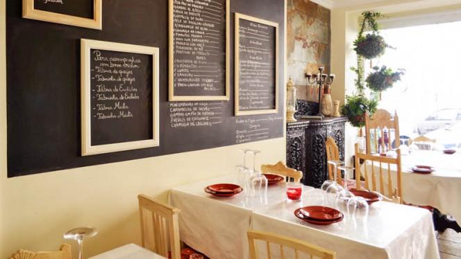 Sala do restaurante - Desassossego, Lisboa