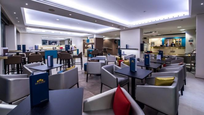 Astra Hotel Vevey Lobby Bar - Brasserie Historique La Coupole 1912, Vevey