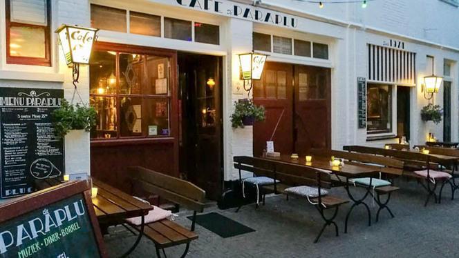 Paraplu by night - De Paraplu - muziek • diner • borrel, Den Haag