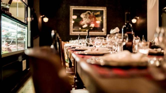 Particolare tavolo - Premiato Forno Cantoni, Milan