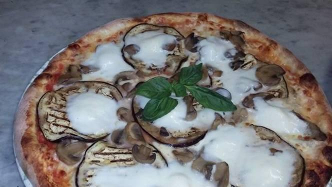 Pizza bufala e mozzarella - Ristorante Bonnie & Clyde, Sesto San Giovanni