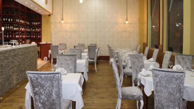 Vista sala - Saffron Indian Cuisine, Madrid