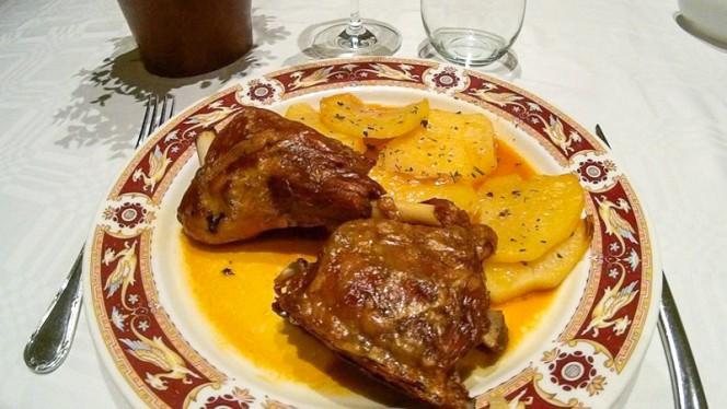 Ternasco a baja temperatura con patatas - Rogelios, Zaragoza