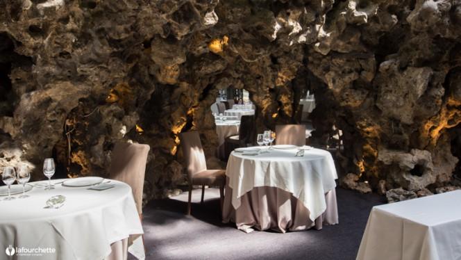 Vue des tables - Le Chapon Fin, Bordeaux