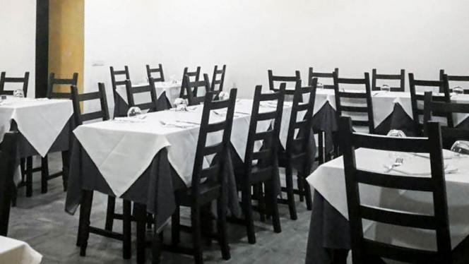 Veduta dell interno - Roy Bistrot Milano, Milan